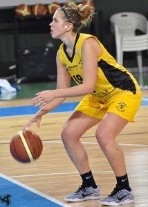 Ambra Calzolari - ala-pivot Basket Cavezzo - tiro libero