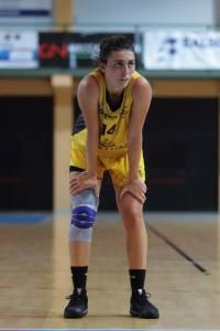Camilla Finetti - pivot Basket Cavezzo in una fase di gioco
